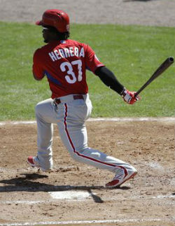 Herrera to be Phillies starting centerfielder